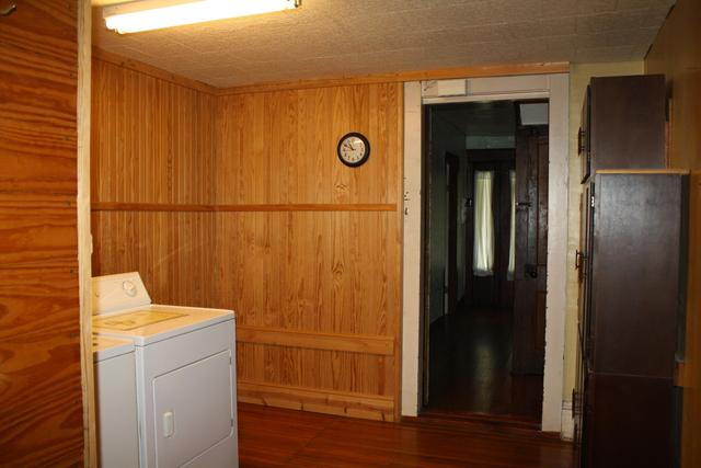 Kitchen featured at 711 Temple St, Hinton, WV 25951
