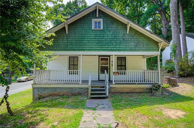 House view featured at 1622 25th St NE, Winston Salem, NC 27105