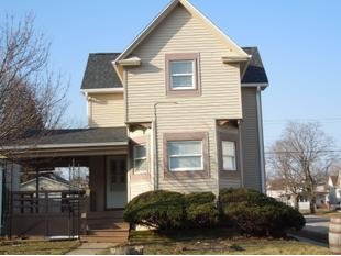 "<div></img>1100 Hayes Ave</div><div>Racine, Wisconsin 53405</div>"" data-original=""/img/cdn/assets/layout/patch_white_bg.jpg"" data-recalc-dims=""1″></a></figure><div class="