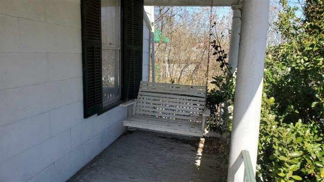 Porch featured at 28 Park Blvd, Staunton, VA 24401