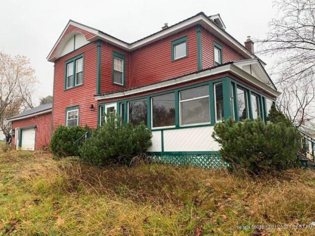 House view featured at 15 High St, Limestone, ME 04750