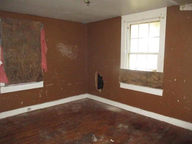 Bedroom featured at 360 5th St, Cedartown, GA 30125