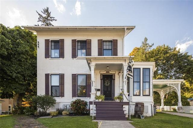 House view featured at 31 High St, Lyons, NY 14489