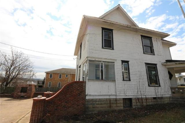 House view featured at 222 N 1st St, Pacific, MO 63069