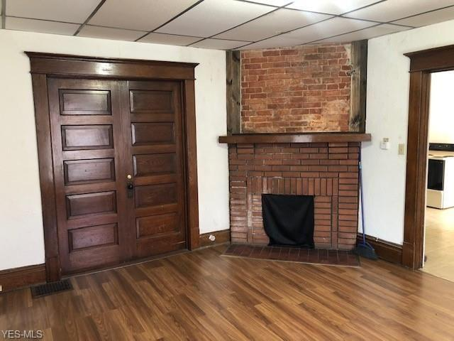 Living room featured at 1315 Chestnut St, Coshocton, OH 43812
