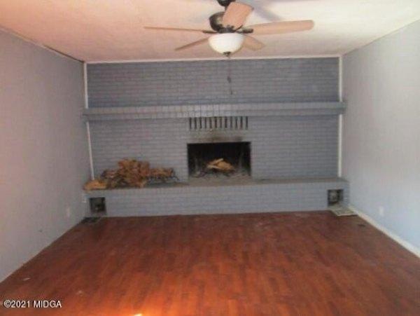 Living room featured at 2762 Portland Pl, Macon, GA 31211