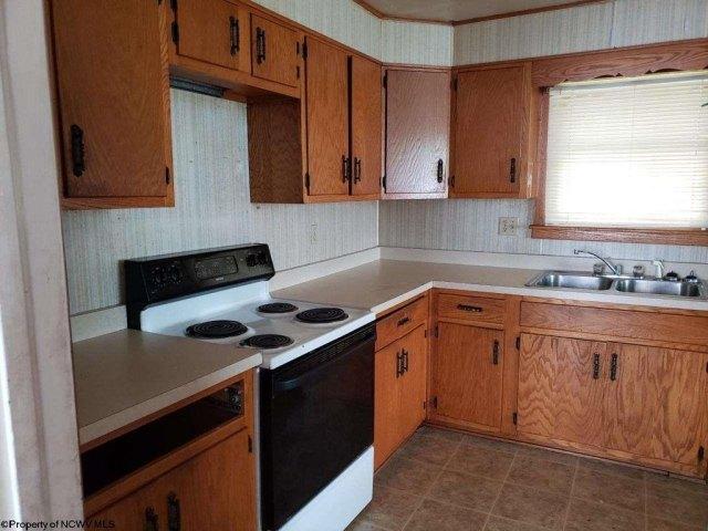 Kitchen featured at 430 Duff St, Clarksburg, WV 26301