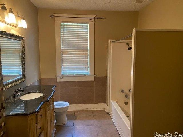 Bathroom featured at 3000 S Cherry St, Pine Bluff, AR 71603