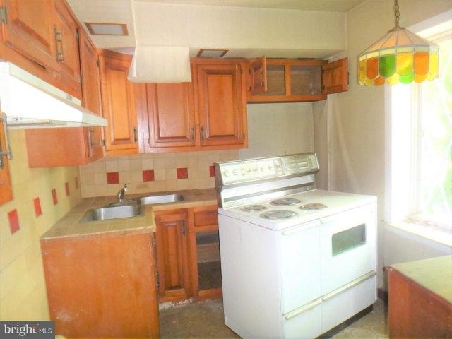 Kitchen featured at 8 Broadway Cir, Cumberland, MD 21502