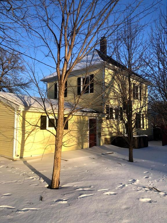 House view featured at 387 4th St, Tracy, MN 56175