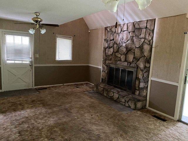 Living room featured at 3749 Trophy Pl, Lizella, GA 31052