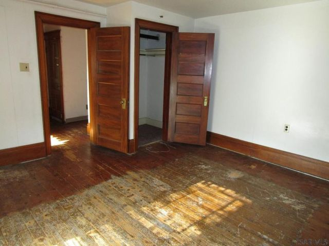 1401 Somerset Ave, Windber, PA 15963