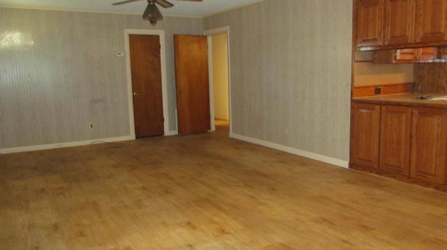 Bedroom featured at 904 S Tennessee St, Crossett, AR 71635