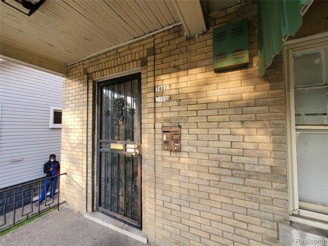 Porch featured at 7400 Prairie St, Detroit, MI 48210