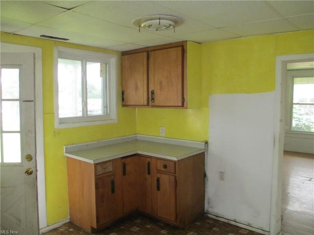 Kitchen featured at 634 S 6th St, Cambridge, OH 43725