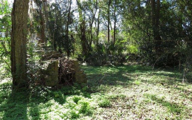 Farm land featured at 214 Seminole St SE, Live Oak, FL 32064