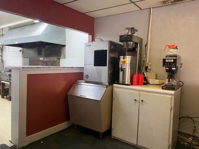 Kitchen featured at 140 Chestnut St, Louisville, IL 62858