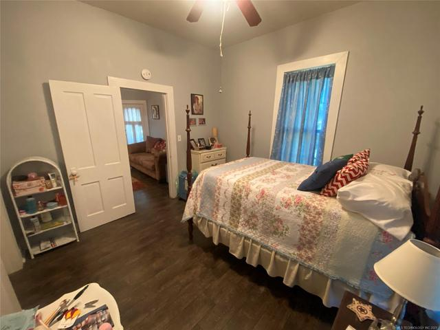Bedroom featured at 111 S Rosehill Ave, Cleveland, OK 74020