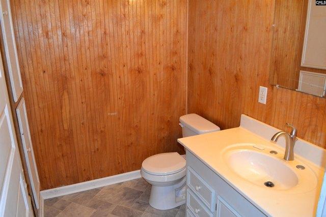 Bathroom featured at 956 N Edisto Rd, Leesville, SC 29070