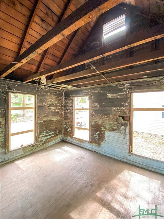 House view featured at 103 W 54th St, Savannah, GA 31405