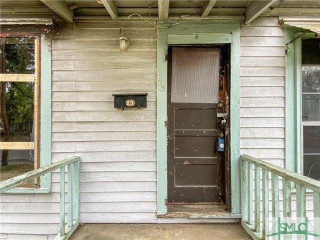 Porch featured at 103 W 54th St, Savannah, GA 31405
