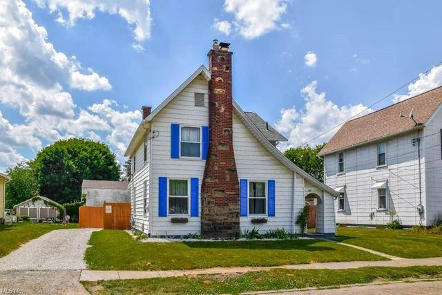 House view featured at 921 Greenfield Ave SW, Canton, OH 44706