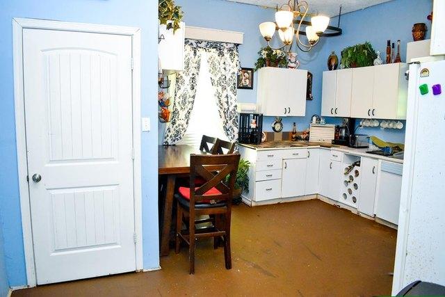 Laundry room featured at 223 Edisto St, Johnston, SC 29832