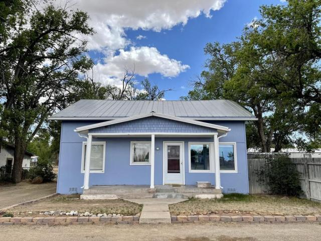 House view featured at 512 Hopewell Ave, Estancia, NM 87016