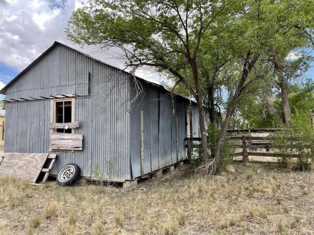 Farm land featured at 512 Hopewell Ave, Estancia, NM 87016