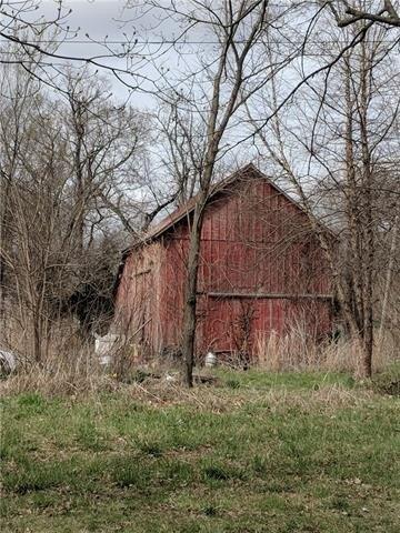 Farm land featured at 300 N 1st St, Kincaid, KS 66039