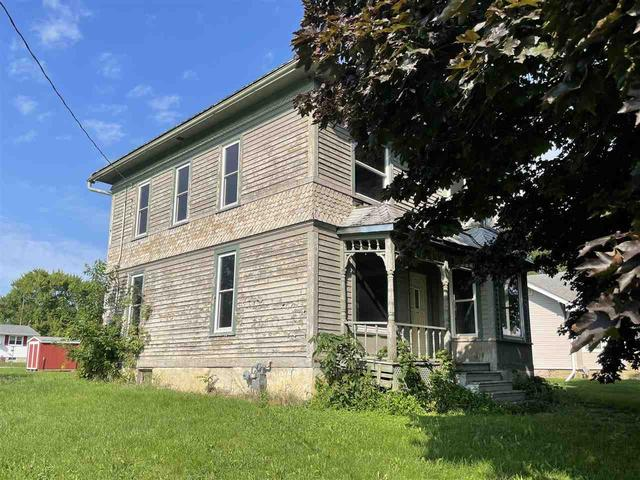 House view featured at 329 E Main St, Hawkeye, IA 52147