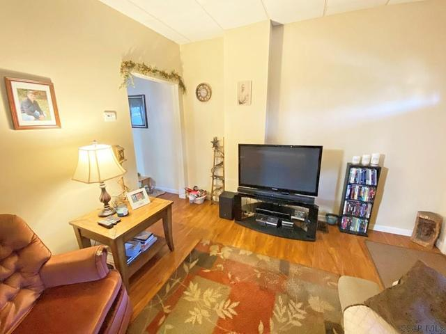 Living room featured at 764-766 Cypress Ave, Johnstown, PA 15902