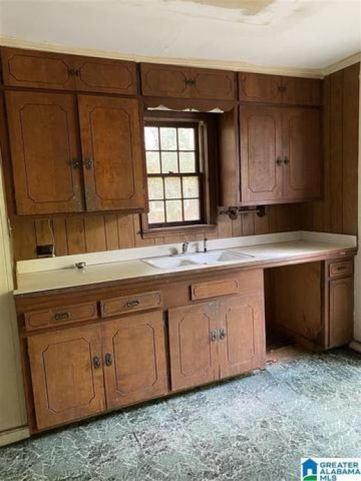 Kitchen featured at 421 Young St, Selma, AL 36701