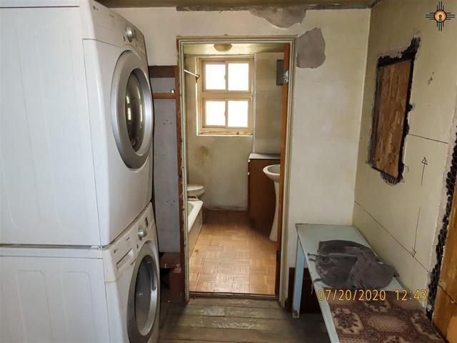 Laundry room featured at 125 Cubero Loop, Grants, NM 87014