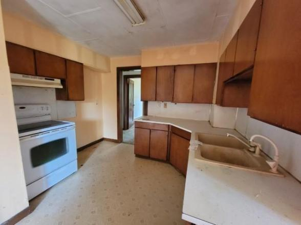 Kitchen featured at 503 N Courthouse Ave, Jeffers, MN 56145