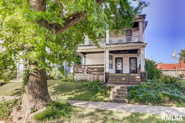House view featured at 809 S 4th St, Springfield, IL 62703