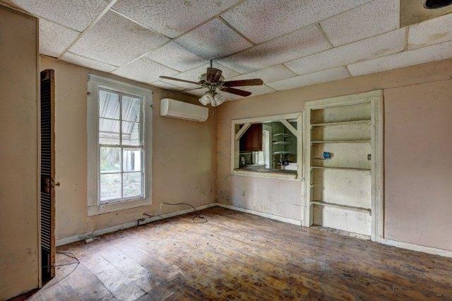 Property featured at 453 Folk Ave, Woodbury, GA 30293