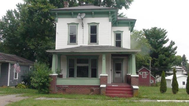 Porch featured at 330 W Atwood St, Galion, OH 44833