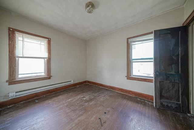 Bedroom featured at 1520 15th Ave, Rockford, IL 61104