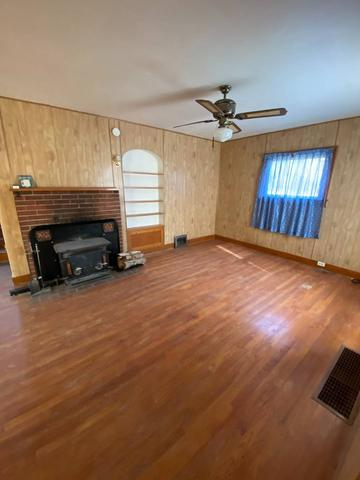 Living room featured at 112 Rehal Ave, Joplin, MT 59531