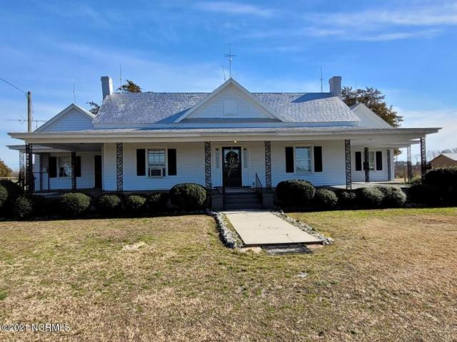 House view featured at 5519 Kings Crossroads Rd, Fountain, NC 27829