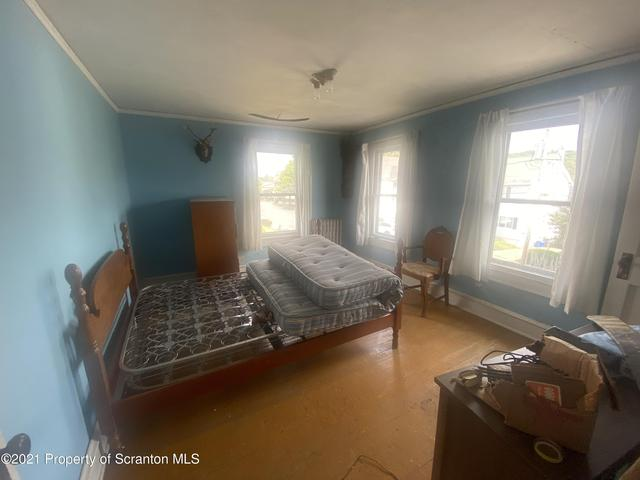 Bedroom featured at 412 Delaware Ave, Olyphant, PA 18447