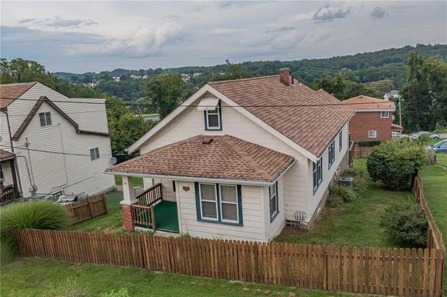 House view featured at 1511 Wesley St, McKeesport, PA 15132
