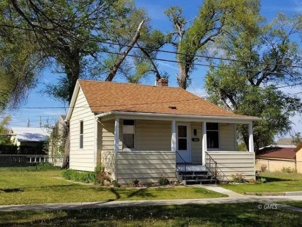 House view featured at 512 E Power St, Glendive, MT 59330