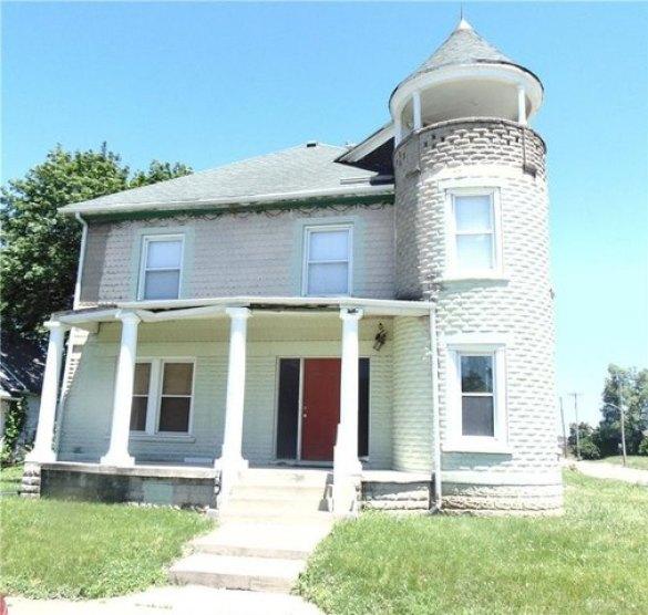Porch featured at 1284 Dietzen Ave, Dayton, OH 45417