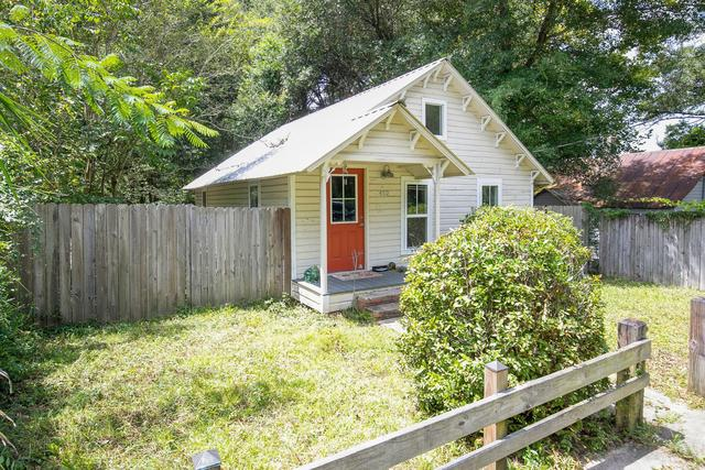 House view featured at 452 N Spring St, Crestview, FL 32536