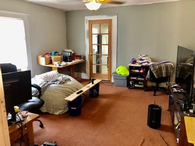 Living room featured at 811 Gilmore St, Waycross, GA 31501