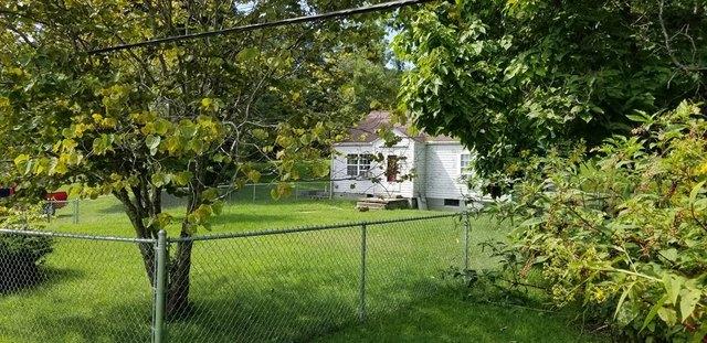 Yard featured at 3172 Coal River Rd, Glen Daniel, WV 25844