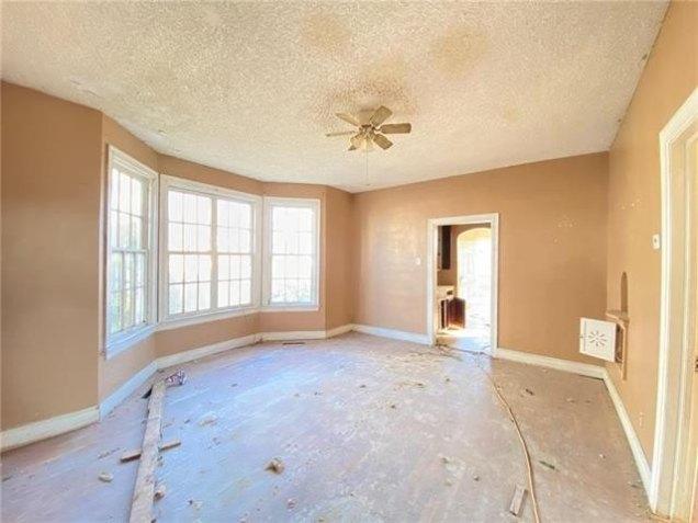 Property featured at 2708 Seneca St, Saint Joseph, MO 64507