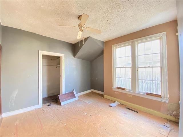 Bedroom featured at 2708 Seneca St, Saint Joseph, MO 64507